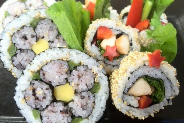 12/15(日)ファーマーズマーケットで巻き寿司を作ろう!