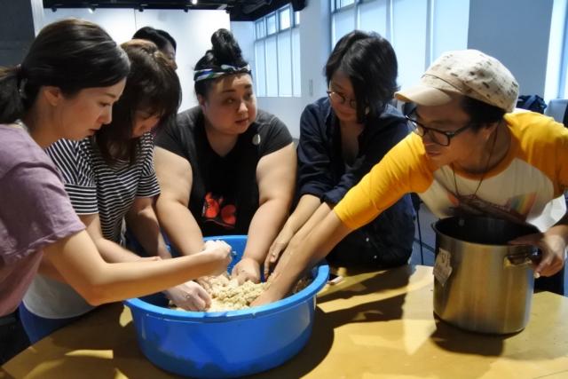 【Report】コミュニティを醸す週末発酵ライフ。『みそとおとも vol.2 | 味噌作り』