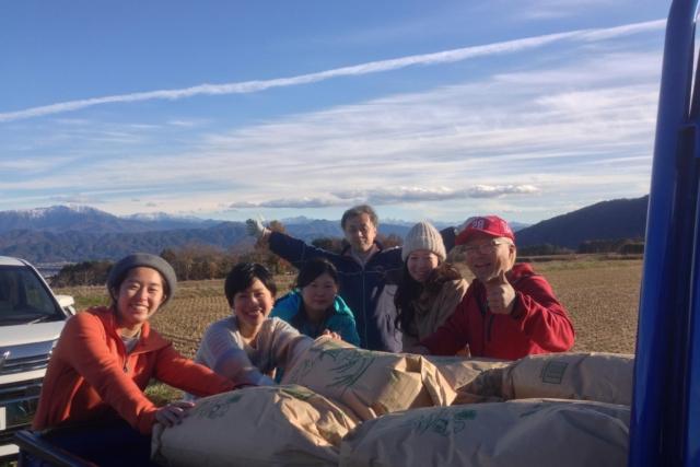 【Report】Farm Tour|初雪の降る頃まで田んぼで完熟。momoGファームさんの「完熟雪見米」の稲刈りツアー