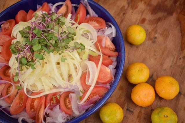 【Report】マーケットの残り野菜で、一緒に作って美味しく食べる「Re-think Cooking」