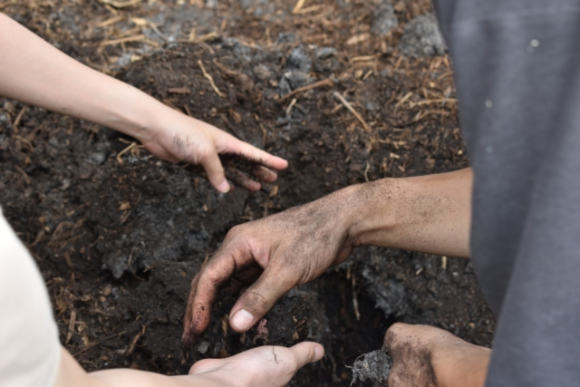 【Farm Report】堆肥から学ぶ。千葉・農国ふくわらいさんを訪れて
